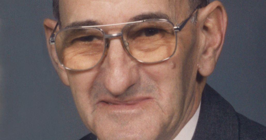 Picht, Wayne Howard Obituary Photo